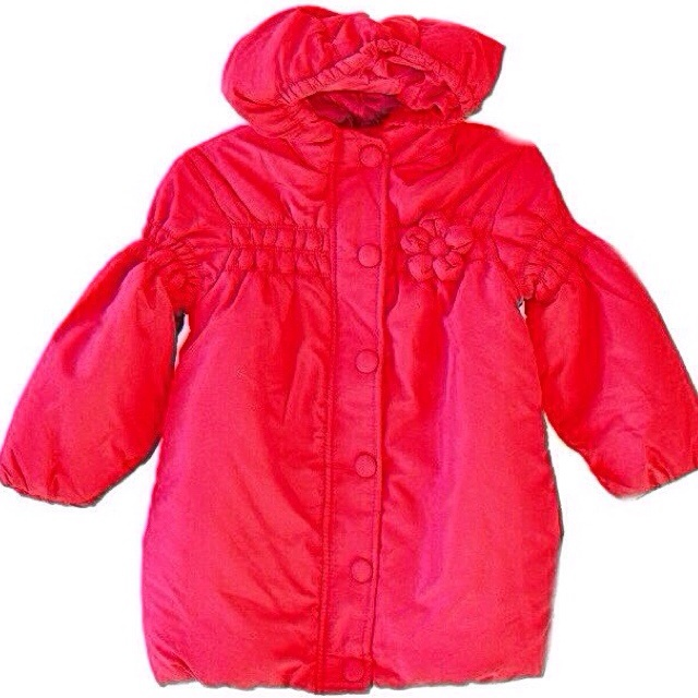 Фото 1: Красное пальто Prenatal украшено цетком