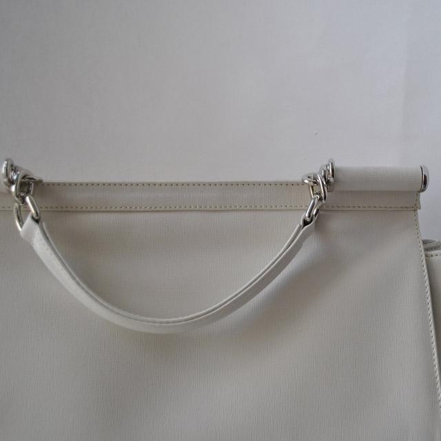 Современная интерпретация классическая сумка. Применена уникальная технология ажурной вышивки по коже. Ультрамодная модель 2015г. Фото 3