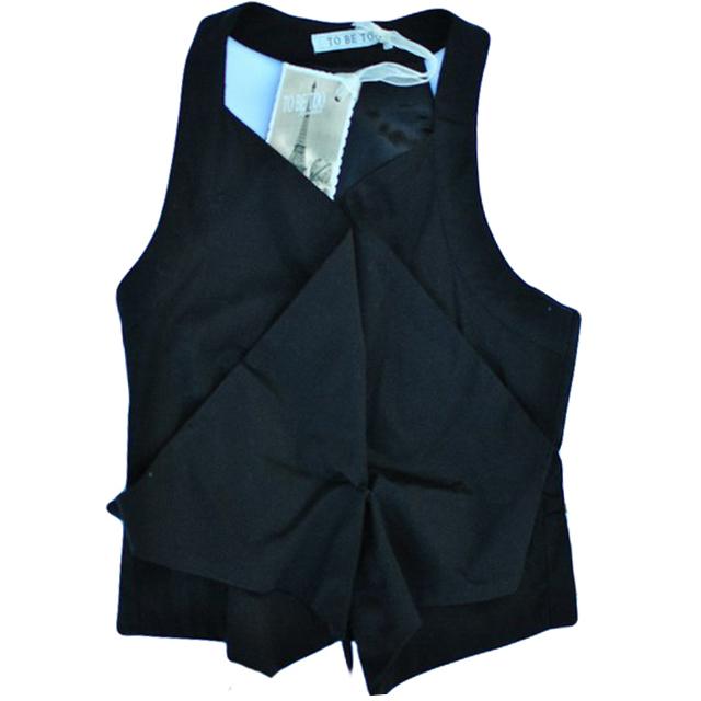 Фото 1: Модный черный жилет детский TO BE TOO