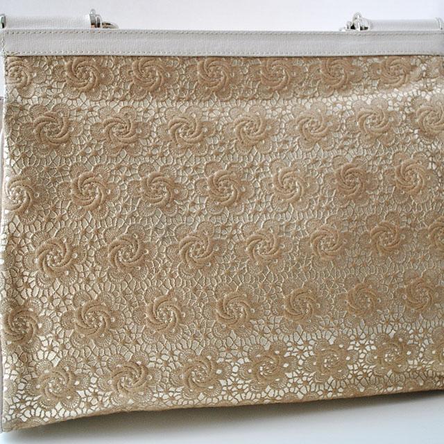 Современная интерпретация классическая сумка. Применена уникальная технология ажурной вышивки по коже. Ультрамодная модель 2015г. Фото 4