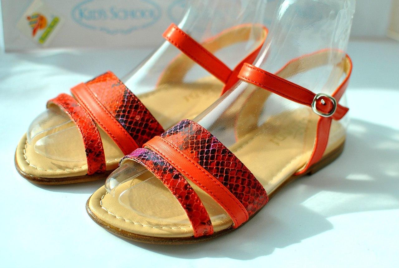 Фото 2: Красные сандалии для девочек Tiffani