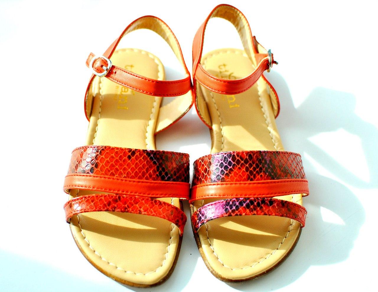 Фото 4: Красные сандалии для девочек Tiffani