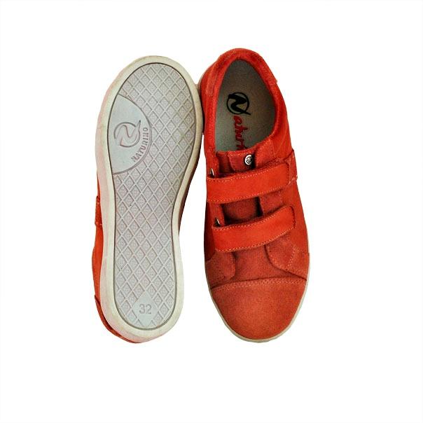 Фото 3: Красные кроссовки Naturino для детей