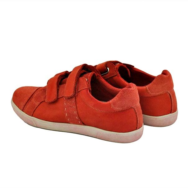 Фото 4: Красные кроссовки Naturino для детей