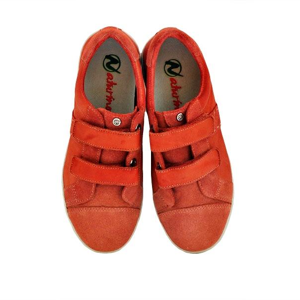 Фото 5: Красные кроссовки Naturino для детей