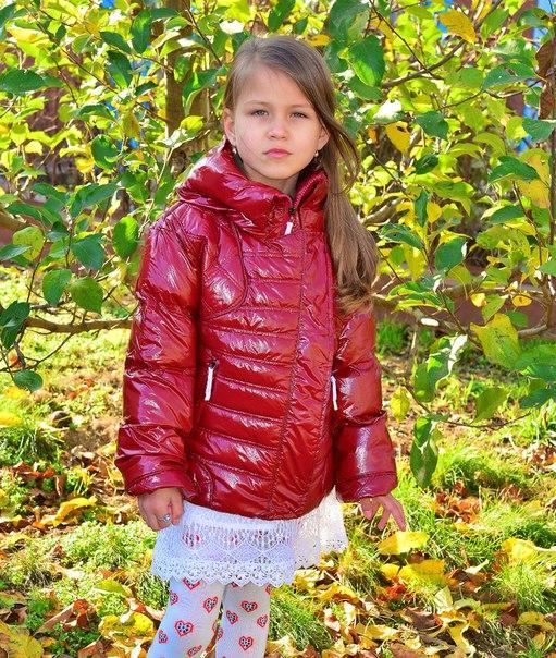 Фото 3: Короткая куртка Ativo красная лакированная