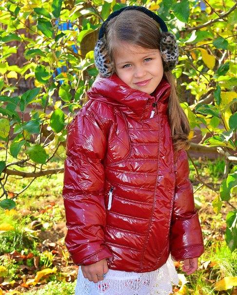 Фото 4: Короткая куртка Ativo красная лакированная