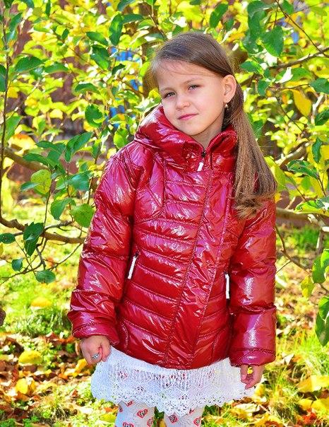 Фото 5: Короткая куртка Ativo красная лакированная