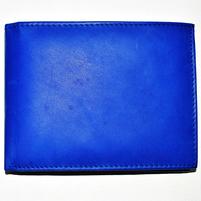Женский кожаный кошелек синего цвета. Фото: 1